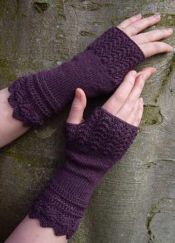 Belladonna fingerless gloves