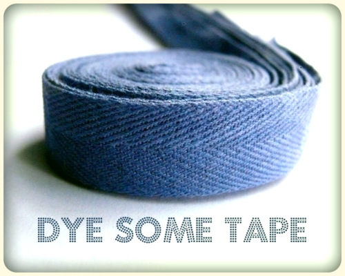 Cotton tape dyeing tutorial.  Debajo un boton...